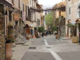 Bormes-les-Mimosa  hoofdstraat