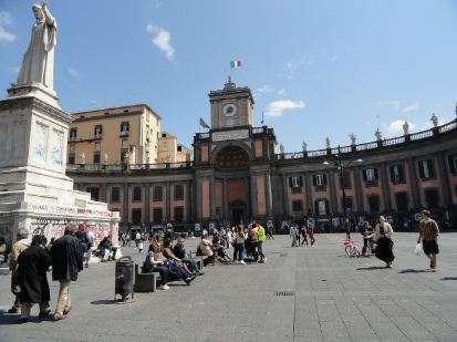 Napels Piazza Dante