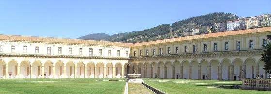 binnenkoer Certosa di Padula
