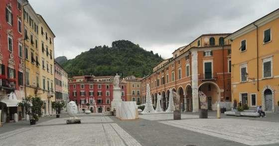 Carrara - Piazza d'Alberica