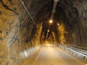 Fantiscritti - tunnel