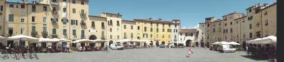 Lucca - Piazza del Amfitheatro