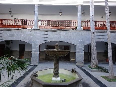 Cour de l'hotel de ville