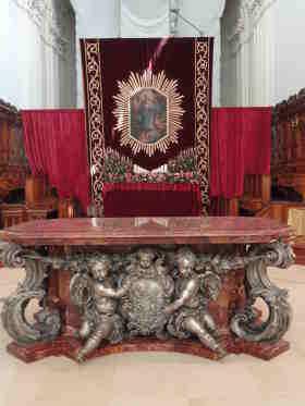 Altaar Basilica di San Nicolo