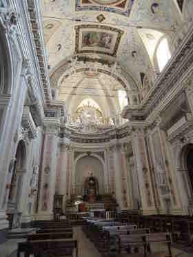 Interieur Basiclica di San Salvatore